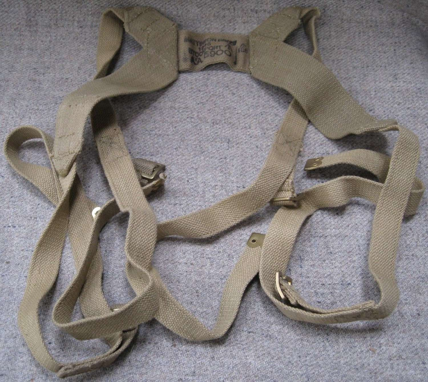 A SET OF THE LOAD CARRYING STRAPS ( AKA BREN TRIPOD STRAPS )