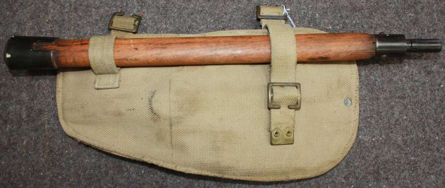A WWII BRITISH ISSUE 37 PATTERN ENTRENCHING TOOL SET