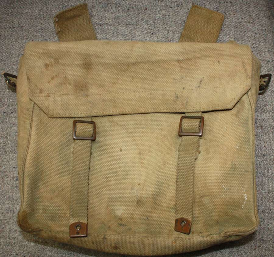 A 1945 DATED 37 PATTERN WEBBING SMALL PACK USED