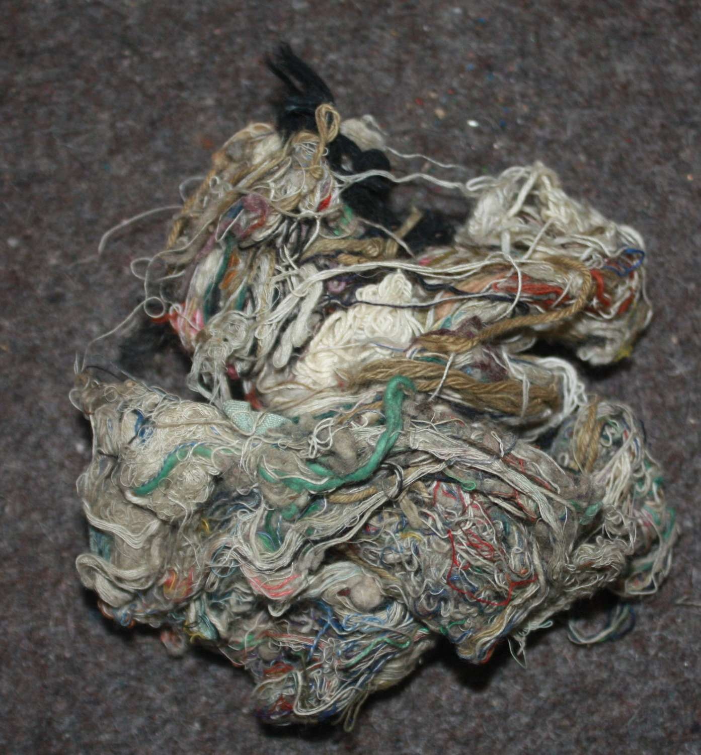 A HANDFULL OF WWII COTTON WAIST FOR THE GAS MASK BAG ORIGINAL LOT