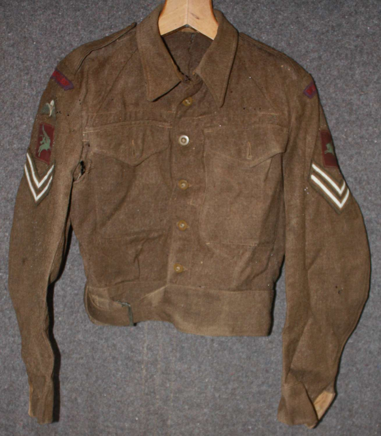 AN ORIGINAL BUT HEAVILY MOTHED RA AIRBORNE FORCES BD JACKET