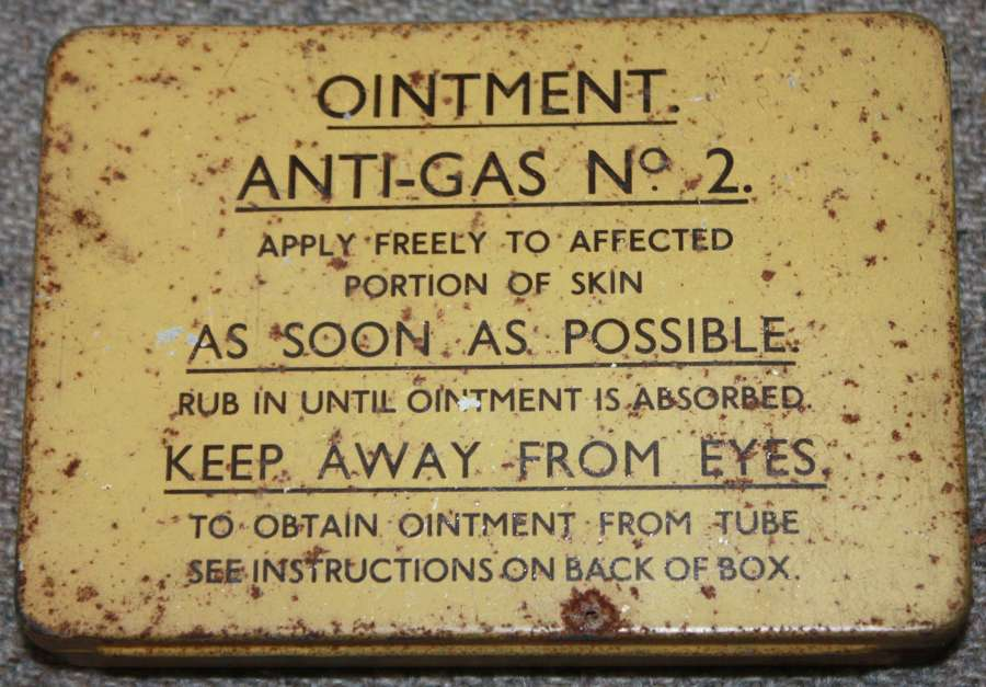 A GOOD 1939 DATED ANTI GAS OINTMENT NO 2 TIN AND CONTENTS