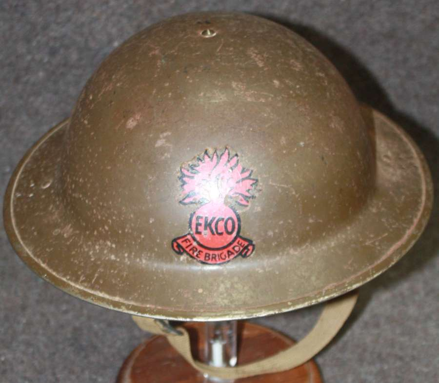 A WWII 1941 PERIOD EKCO FIRE BRIGADE FACTORY / BUISNESS STEEL HELMET
