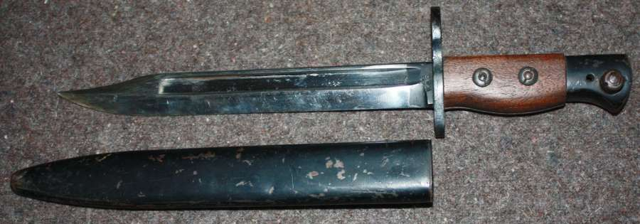 X mass A GOOD NO 5 JUNGLE CARBINE BAYONET WILKINSON MADE EXAMPLE