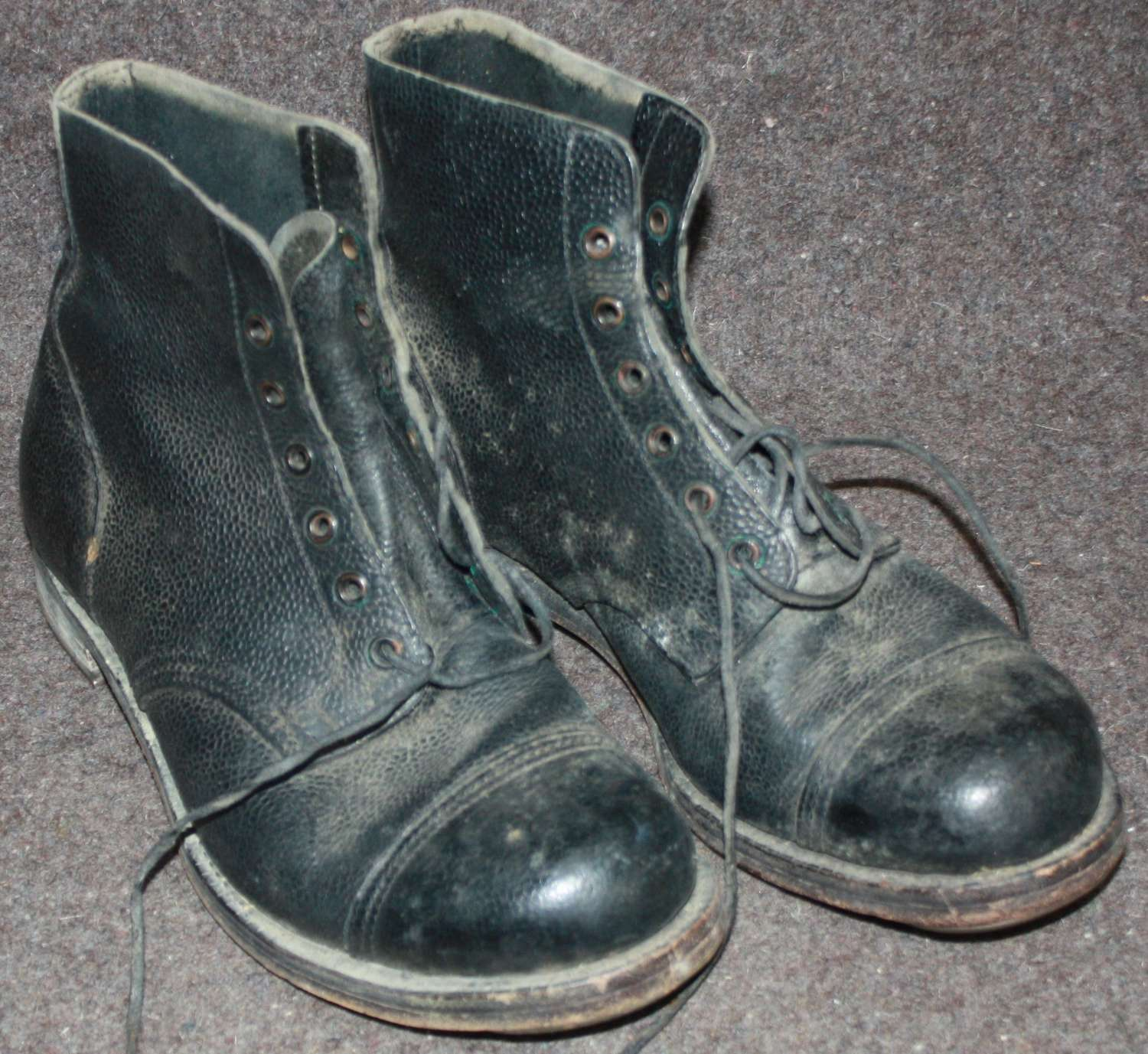 A PAIR OF 1950'S SIZE 8 HOBNAIL BOOTS