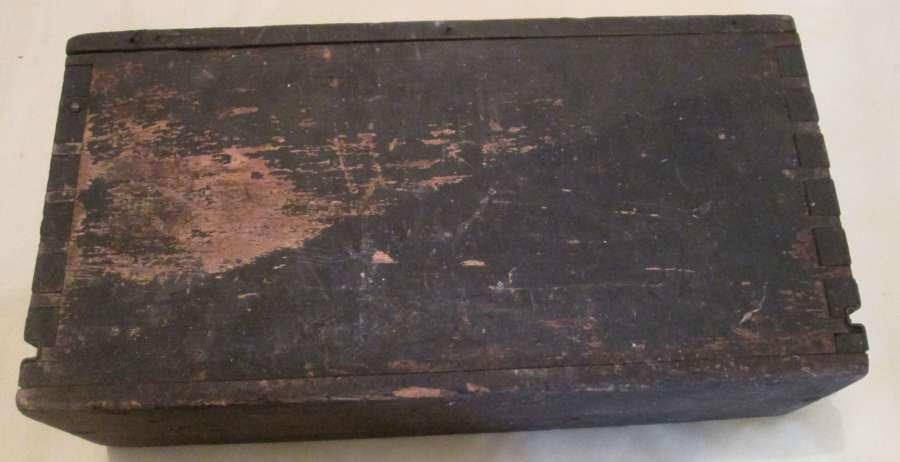 A GOOD WWI 303 BELT AMMO BOX
