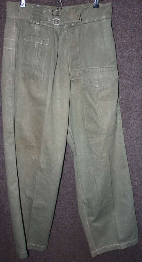 A VERY GOOD PAIR OF THE INDIAN MADE JUNGLE BATTLE DRESS TROUSERS
