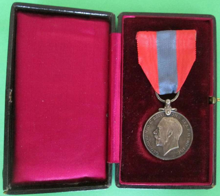 A ISM MEDAL AWARDED TO WILLIAM HARRY FRAMPTON AUG 1927 AWARD POSTMAN