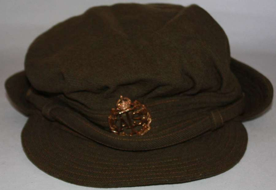 A GOOD EARLY PATTERN ATS OTHER RANKS / OFFICERS PEAKED CAP