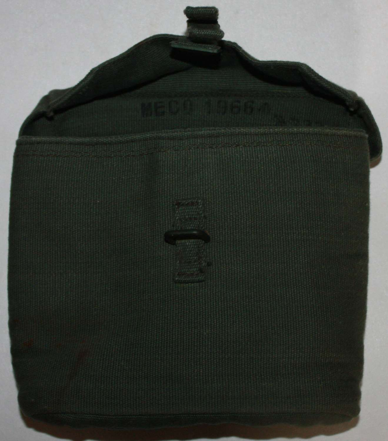 A POST WWII 1964 DATED MECo MADE 44 PATTERN BINOCULAR CASE