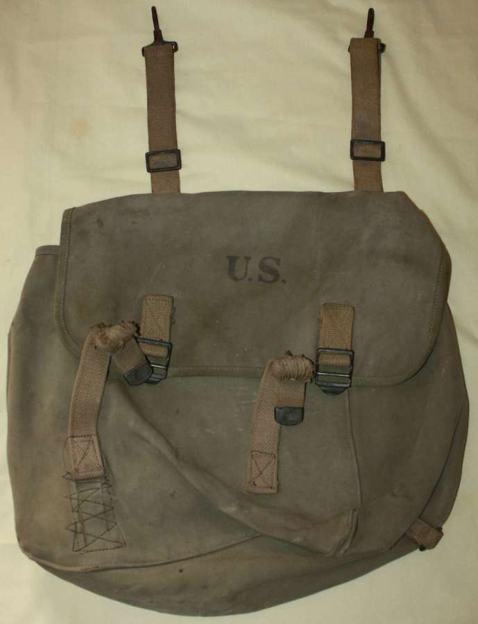 A US M1936  MUSSET BAG 1940 DATED NUMBER C1355