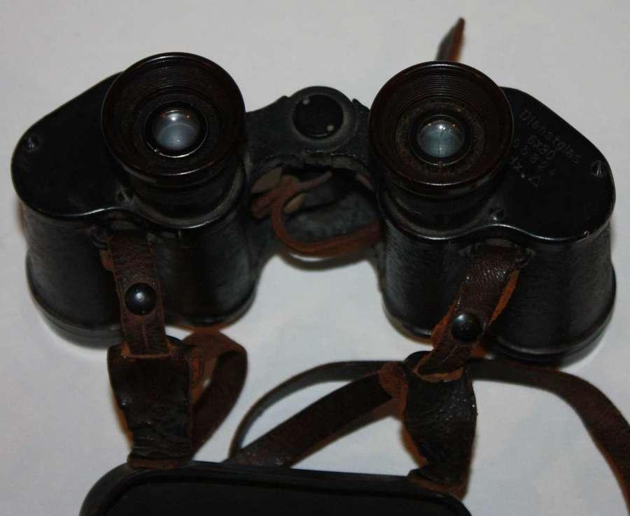 A PAIR OF GERMAN 6 X 30 DIENSGLASS BINOCULARS Voighlander & Sons