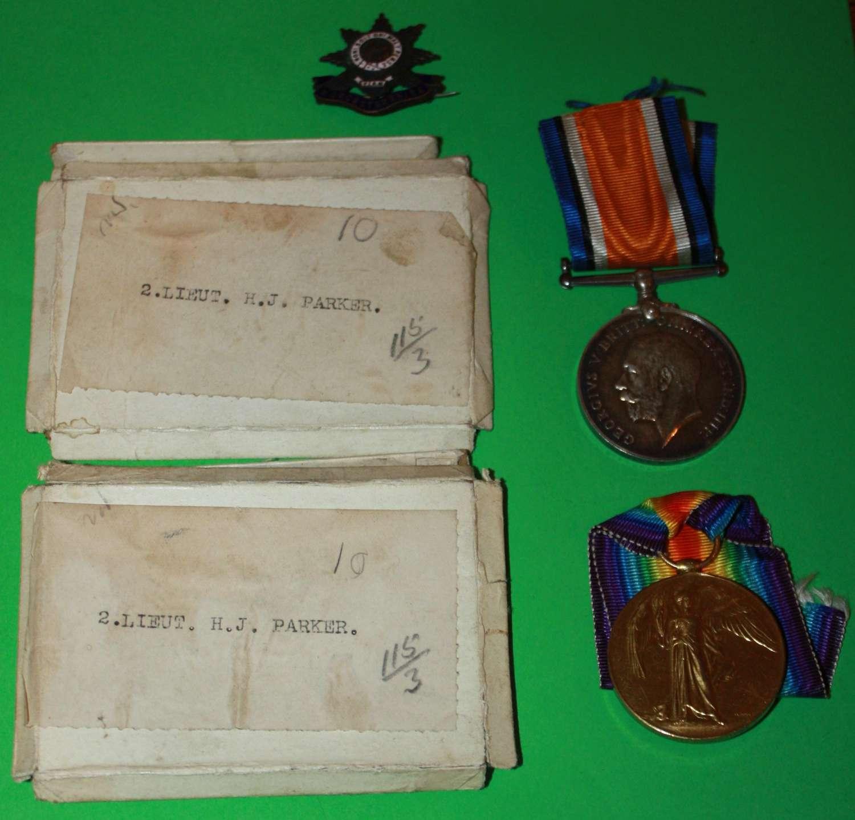 A BOXED WWI PAIR TO 2ND LIEUT HAROLD JAMES PARKER KIA 15/4/18