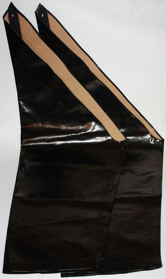 A PAIR OF THE WWII PERIOD AFS / NFS RUBBERISED OVER LEGGINGS
