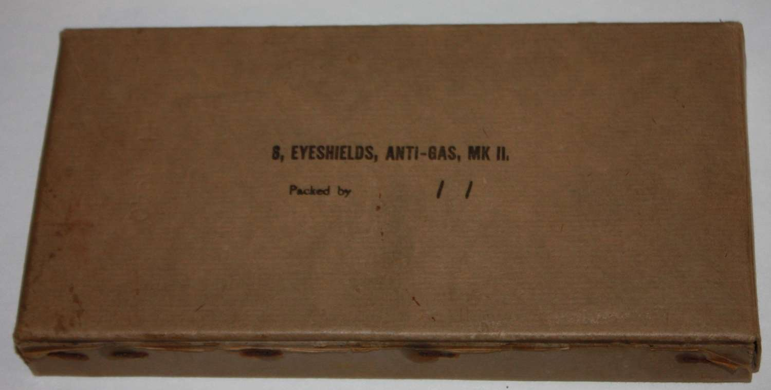 A BOXED SET OF THE GAS EYE SHIELDS 1940 DATED