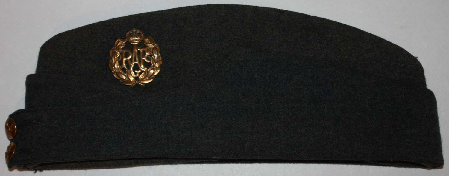 A VERY GOOD 1942 SATE LARGE SIZE RAF SIDE CAP
