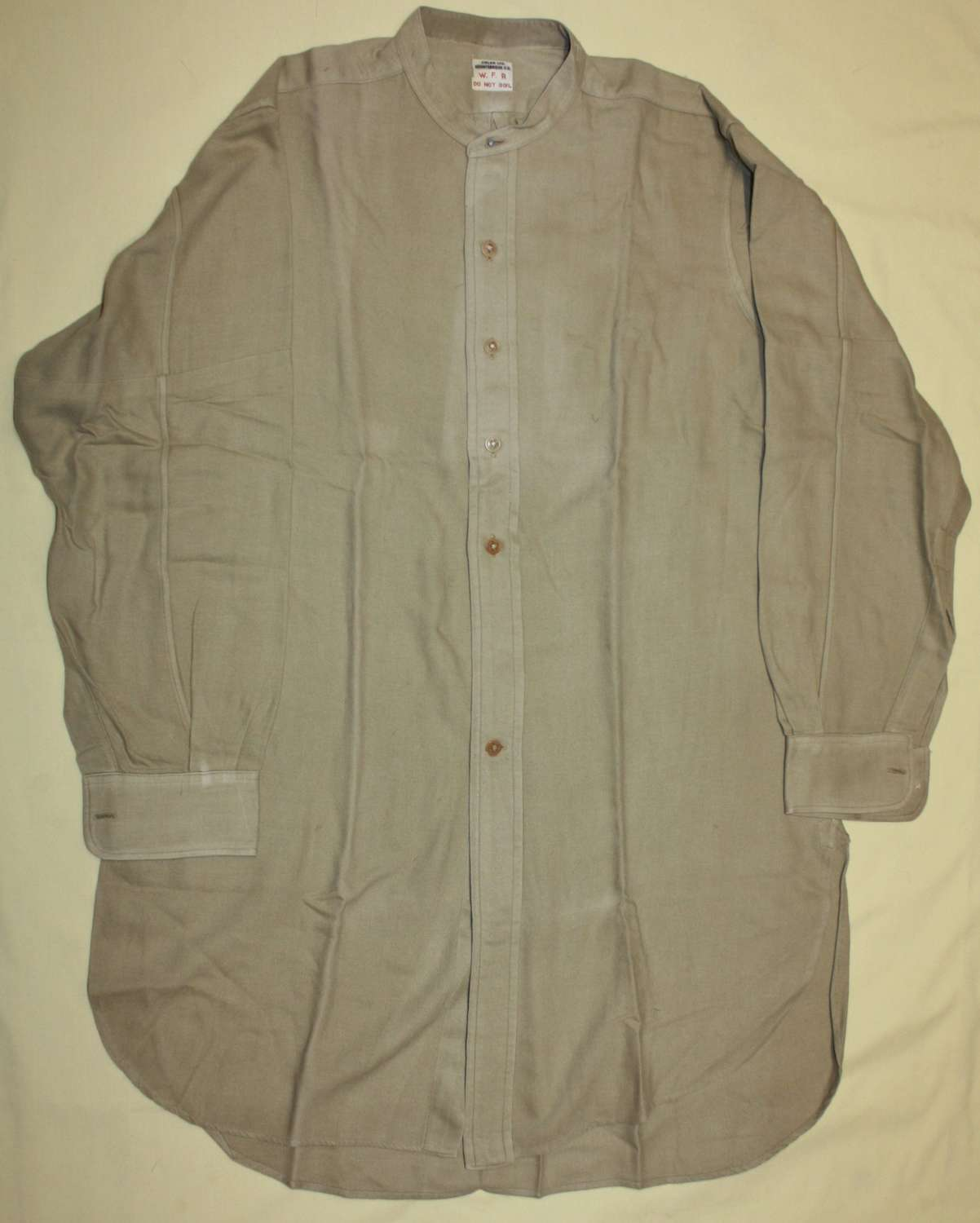 A GOOD WWII PERIOD OFFICERS SHIRT
