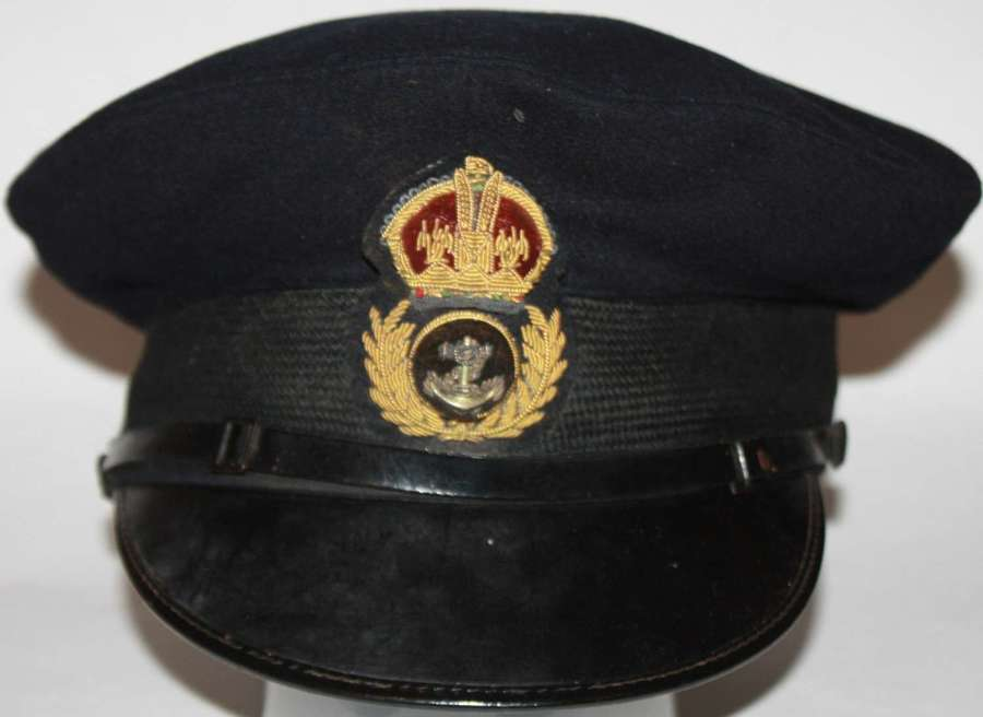 A VERY GOOD EARLY WWII CHIEF PETTEY OFFICERS PEAKED CAP