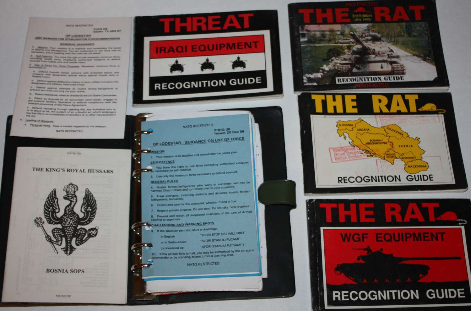A GROUP OF 1980-2000 PERIOD RECOGNITION GUIDES